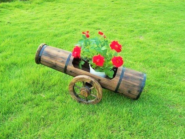 traditional-outdoor-pots-and-planters-ideas