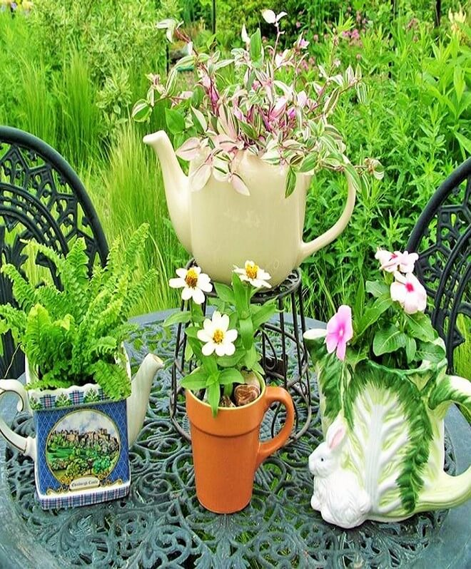 DIY Garden Decorating Ideas With Recycling Items