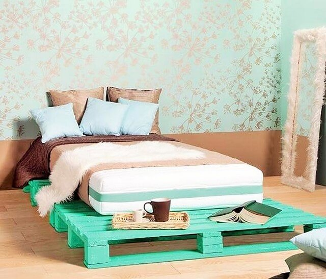 Wooden-Pallet-Bed-Ideas-2 (2)