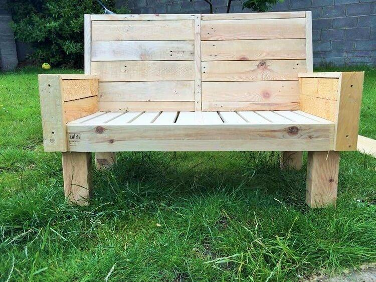 DIY-wooden Pallet-Bench
