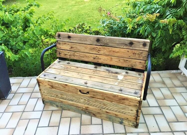 Wood-Pallet-Bench
