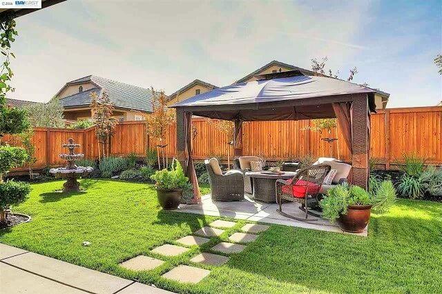Beautiful Home Front Garden Ideas-8