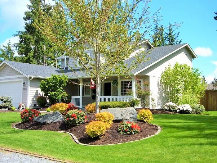 Front yard decoration ideas for greenery lovers 1001 for Colorful front yard landscaping