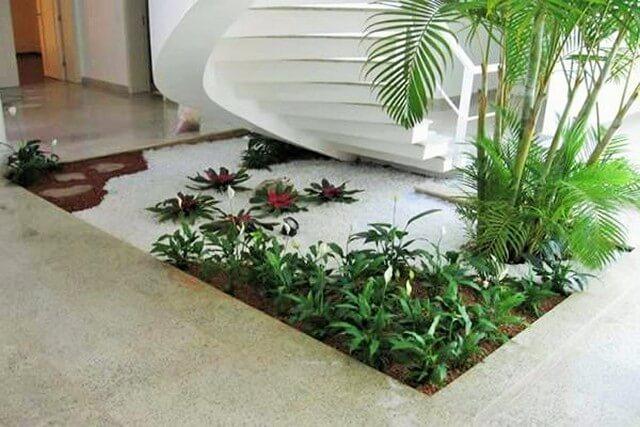 Garden-Ideas-With-Pebbles-12