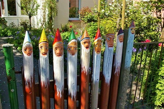 Painted-Face-Fence