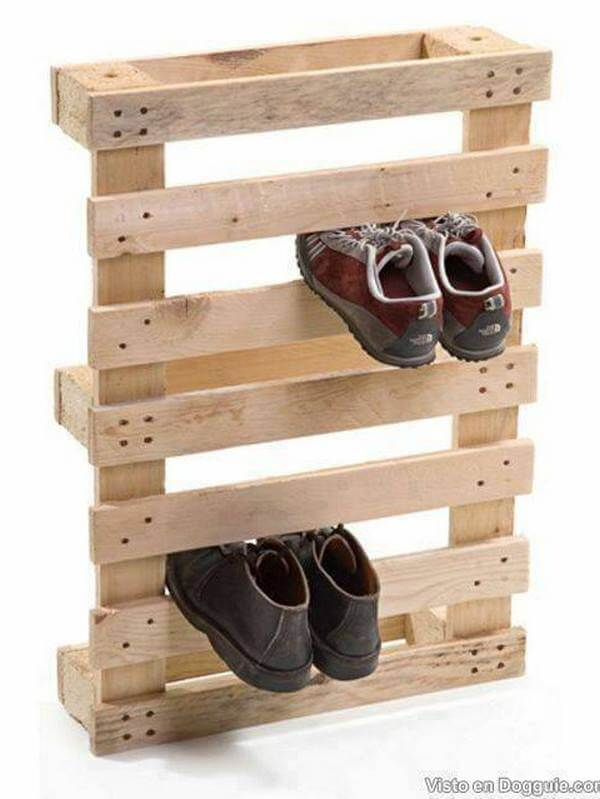 Pallets-diy-shoe-fram