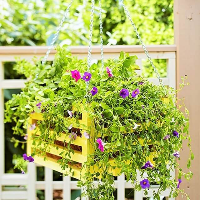 Wooden-Hanging-Planter -Projects