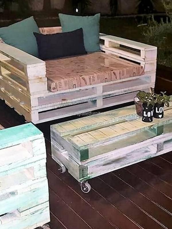 Wooden Pallets sofa