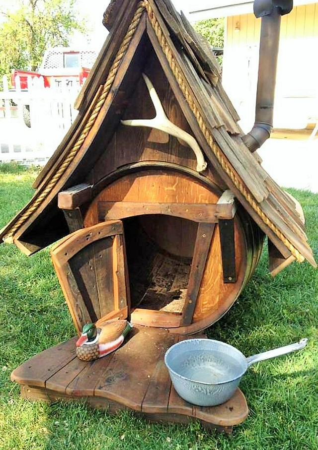 wooden dog house (2)