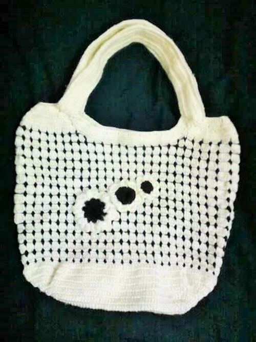 Crochet Hand Bags (2)