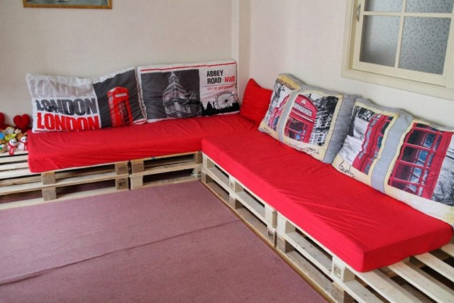 Pallets Furniture-Red- style-sofa