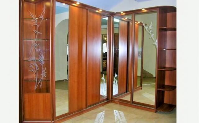 Wooden-Buffet-Corner-Cabinet-Compartment-1 (2)