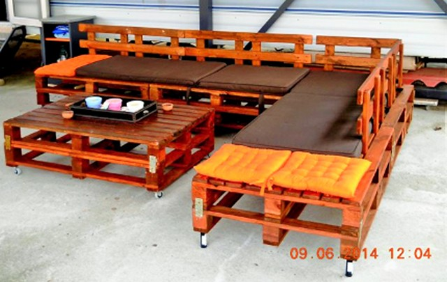 Wooden Pallets Furniture Sofa set