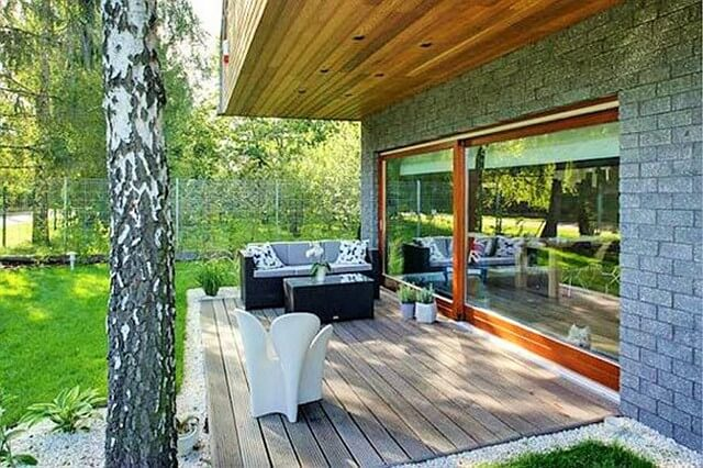 Wooden-Simply-Beautiful-deck (2)