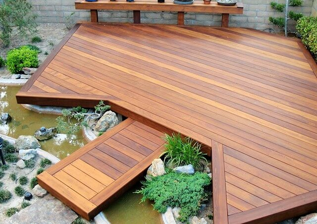 Wooden-Small-Backyard-deck (2)