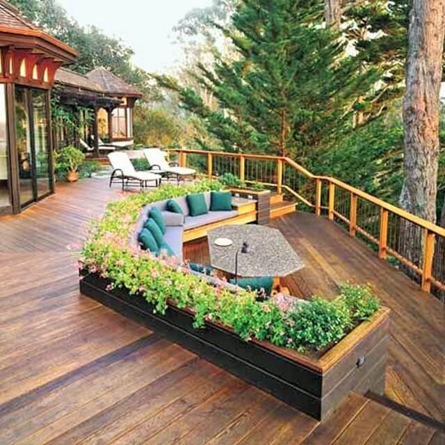 Wooden-backyard-deck (2)