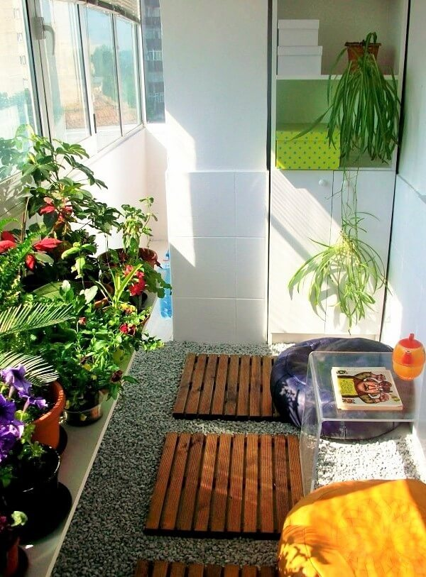 small-apartment-window-garden