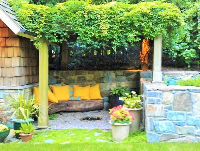 vine-covered-pergola-garden-design-Projects