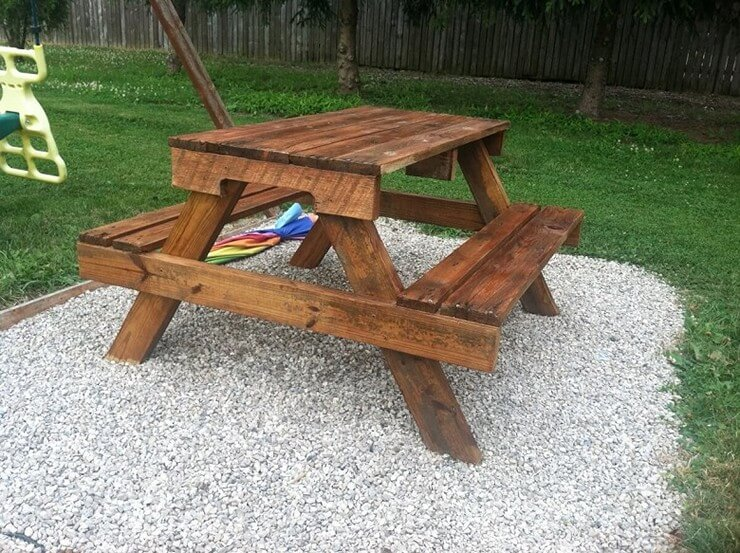 Pallet-furniture-Projects-10