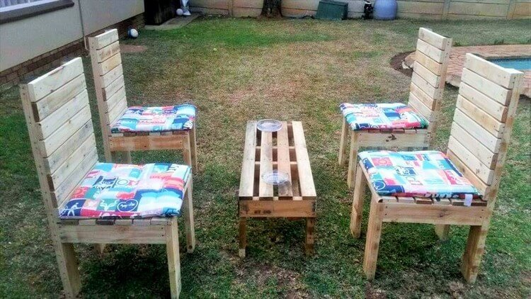 Amazing Pallet Garden Seating Set 1