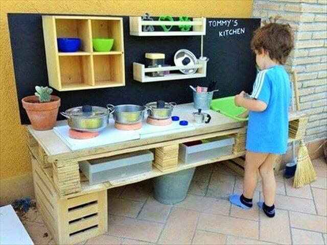 Creative-Practical-Handmade-Pallet-Wood-1 (2)