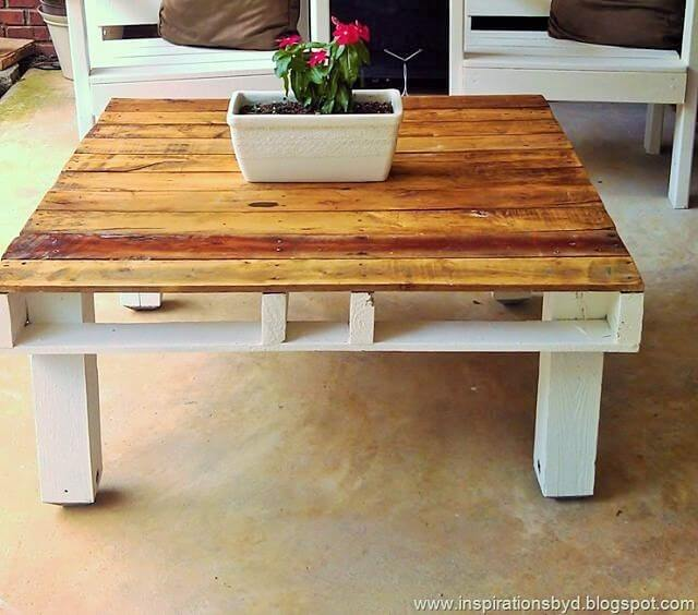 DIY-Outdoor-Pallet-Table-1