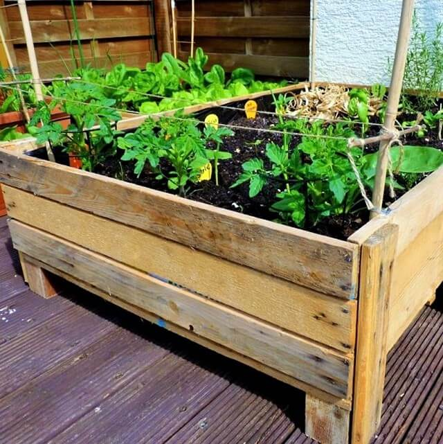 DIY-Planter-Box-from-Pallets-Projects