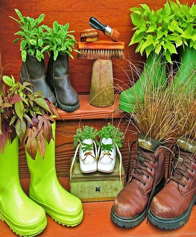 DIY_unique-Recyclable-container-garden-Ideas-17