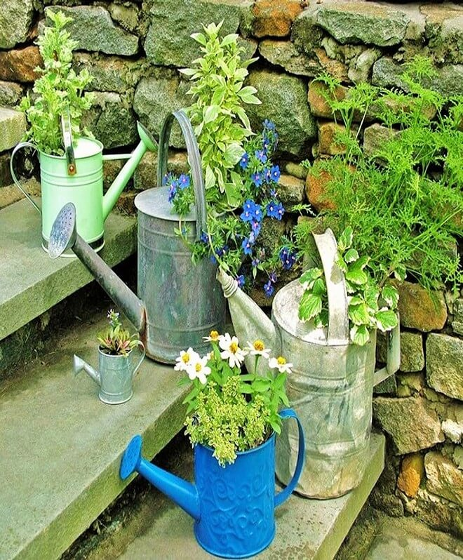 DIY_unique-Recyclable-container-garden-Ideas-20