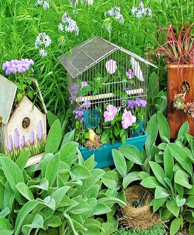 DIY_unique-Recyclable-container-garden-Ideas-4