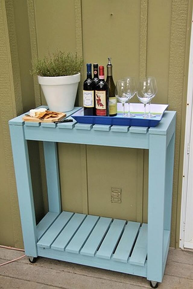 Make-Yourself-An-Outdoor-Rolling-Cart (2)