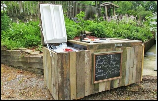 Old-Fridge-to-Rustic-Cooler (2)