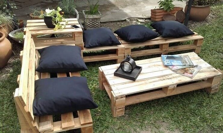 Pallet-furniture-Projects-13