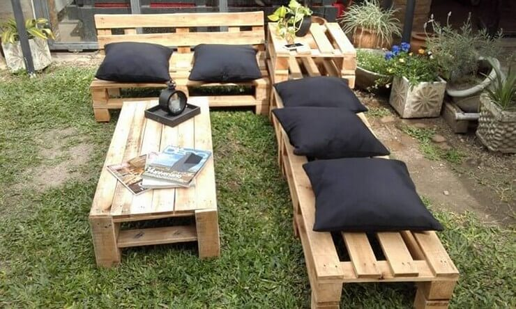 Pallet-furniture-Projects-14