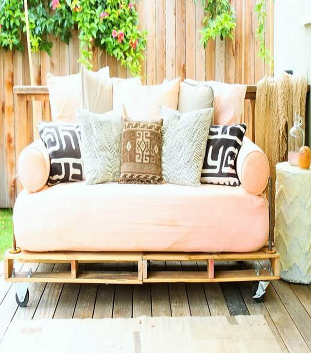 Pallet-Day-Bed (2)