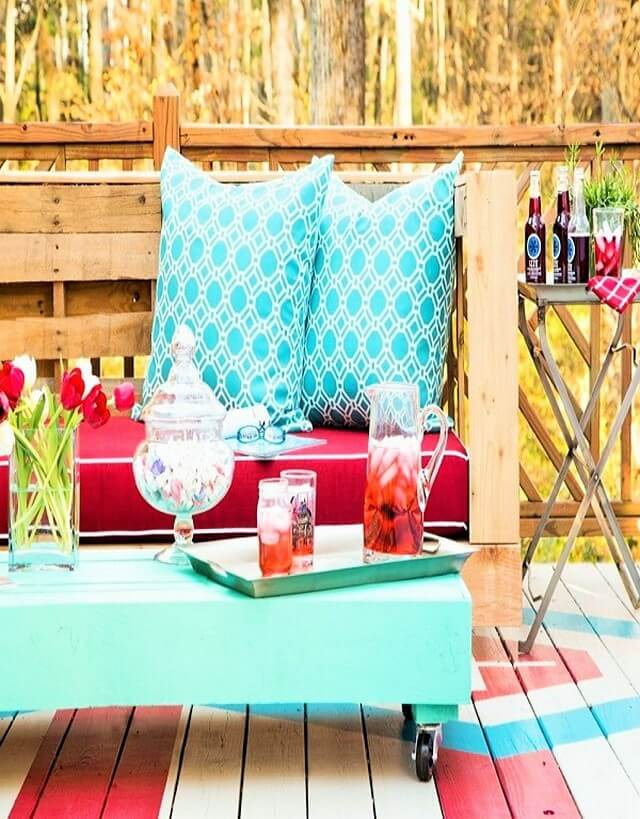 Stylish-Outdoor-Pallet-Seating-For-Your-Furniture- (2)