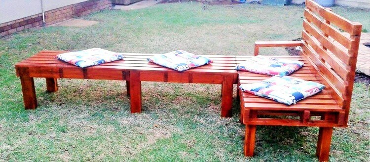 Wood-Pallet-Sofa-and-Bench-1-3 (2)