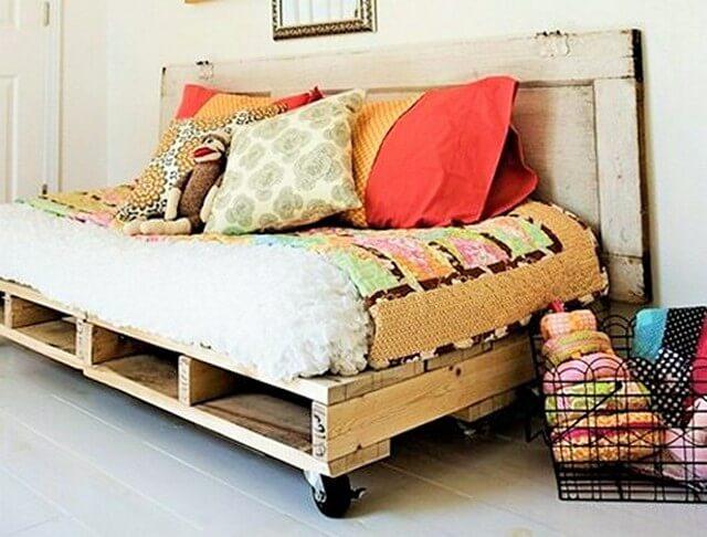 Wooden-Pallet-Bed-Ideas-1 (2)