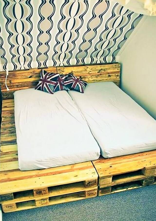 Wooden-Pallet-Bed-Ideas-10 (2)