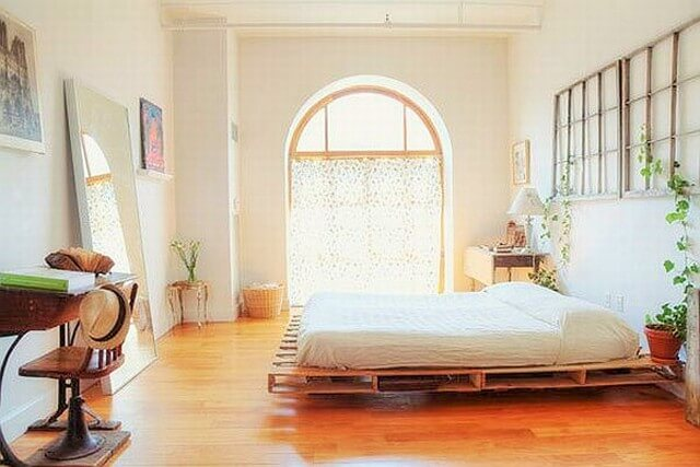 Wooden-Pallet-Bed-Ideas-9 (4)