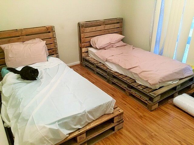 Wooden-Pallet-Single-Bed (2)
