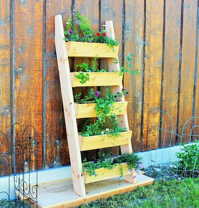 Wooden pallets-Build-Your-Own-Ladder-Garden-Planter