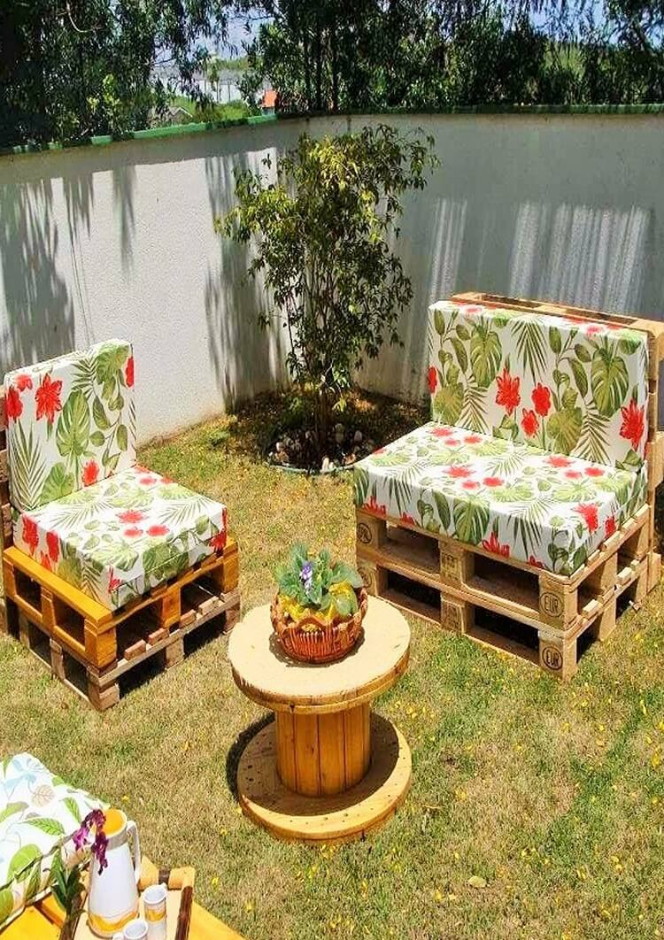 outdoor pallet furniture ideas. Not Only Chairs Outdoor Pallet Furniture Ideas