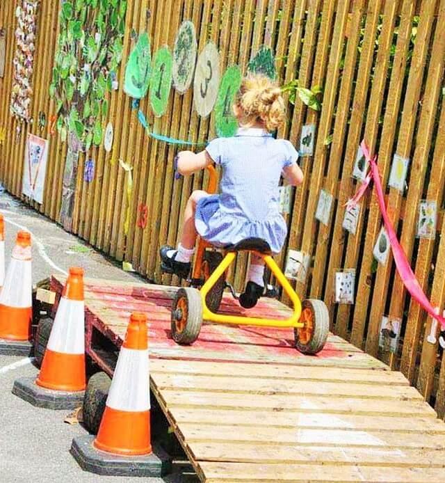 wooden Pallets-Kids Crafts ideas-3 (2)