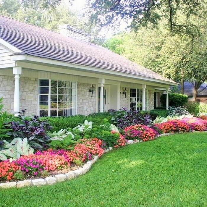 Beautiful-Front-Yard-Landscape-Garden-Ideas-6