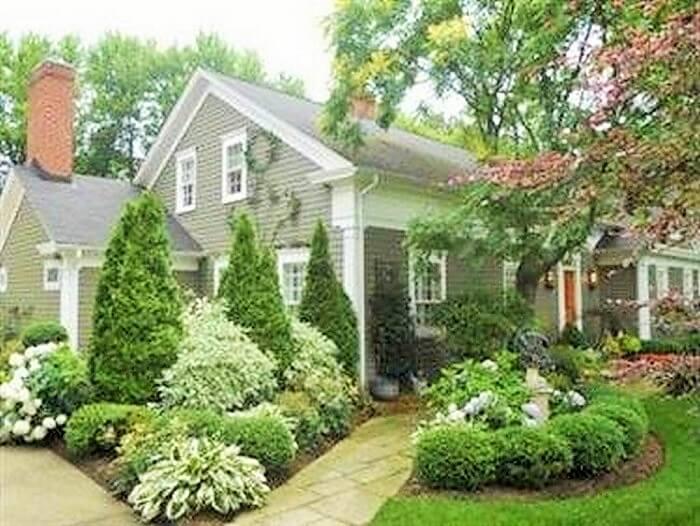 Beautiful-Front-Yard-Landscape-Garden-Ideas-26