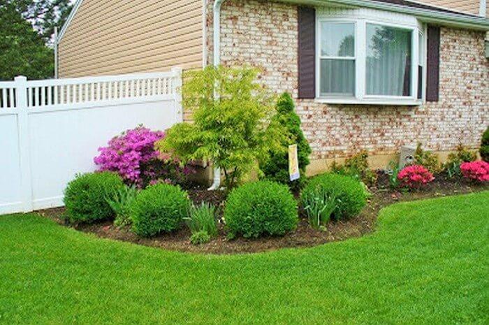 Beautiful-Front-Yard-Landscape-Garden-Ideas-7