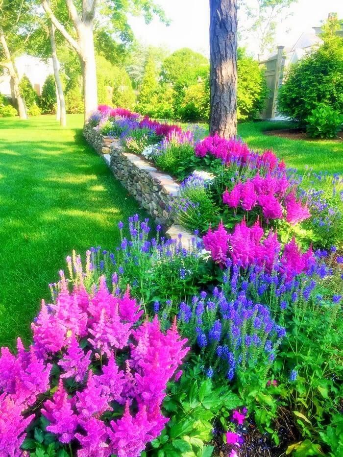 Beautiful-Front-Yard-Landscape-Garden-Ideas-21