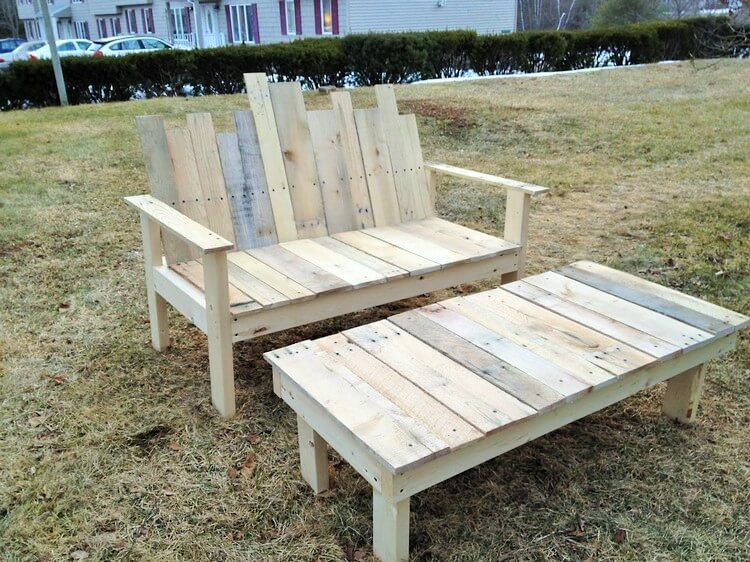 Wooden Pallet-Bench-and-Table