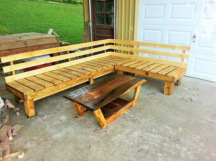 Wooden Pallet-Shaped-Bench-and-Table (2)